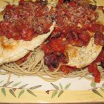 Spaghetti with Chicken, Tomato Sauce, and Olives