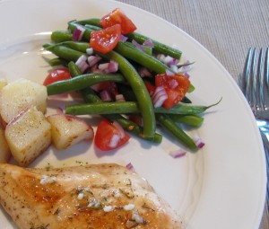 Green Beans with Red Onion and Tomatoes2