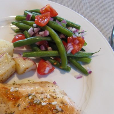 Green Beans with Red Onions and Tomatoes
