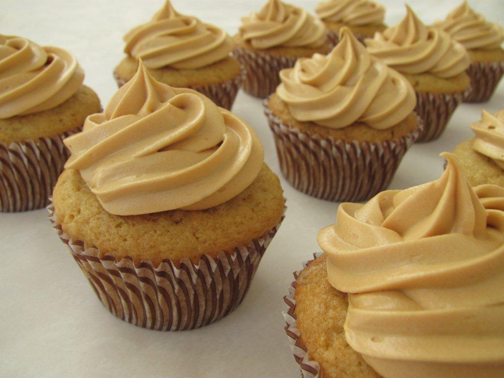 Dulce de Leche Cupcakes - Kristine's Kitchen