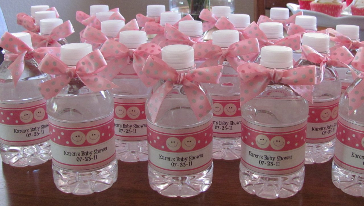 lisa also made these personalized water bottle favors