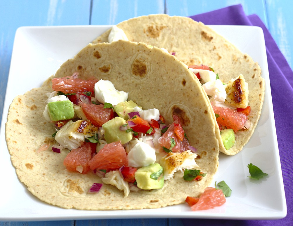 Fish tacos with grapefruit and avocado salsa kristine 39 s for Fish taco salsa