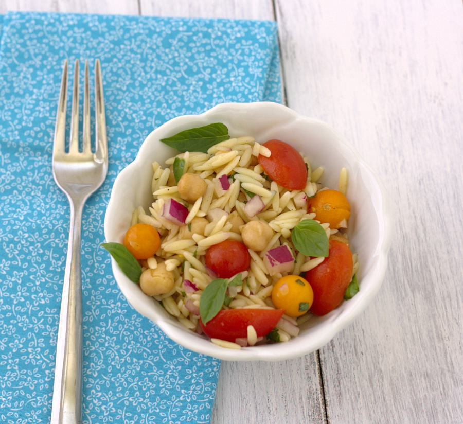 Orzo Pasta Salad with Tomatoes, Basil, and Mint - SO fresh and yummy ...