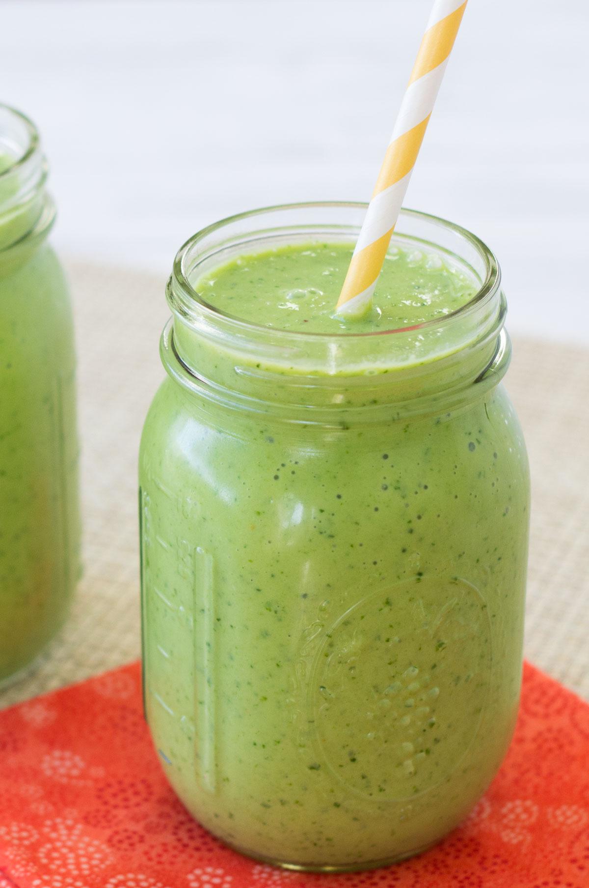 Smoothie Verde cu Mango Varza Kale si Spanac Demeter Bio ml Voelkel - Paradisul Verde