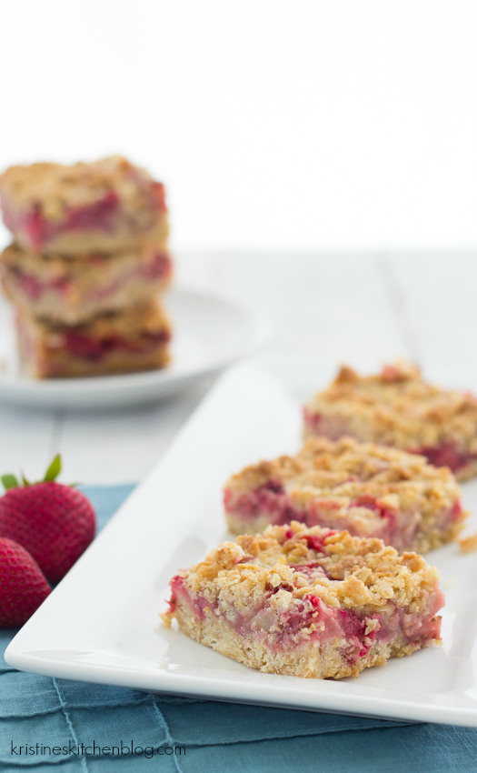 Strawberry Oat Crumb Bars, made with fresh strawberries!  | Kristine's Kitchen