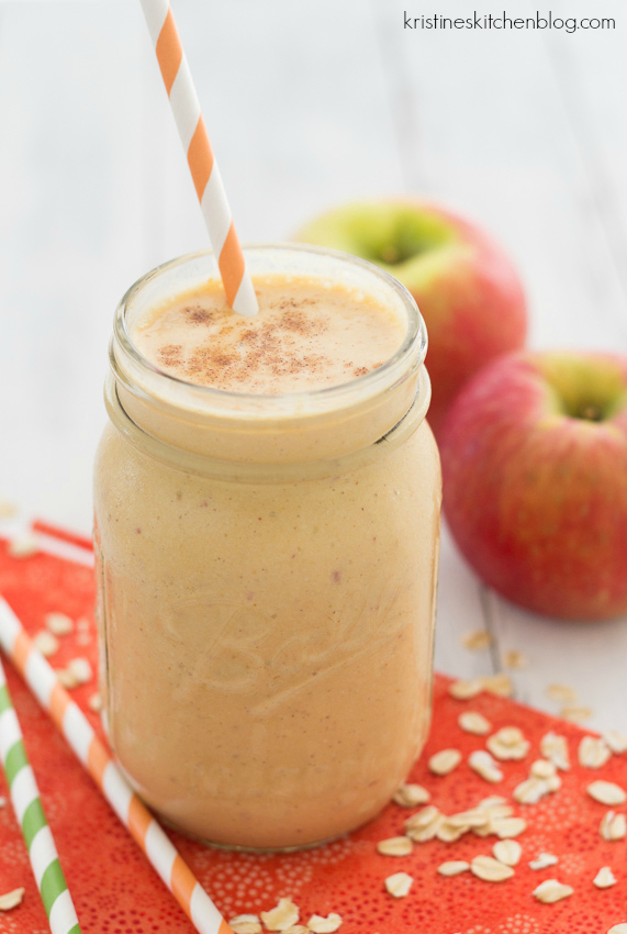 Pumpkin-Apple Breakfast Smoothie - a healthy fall smoothie!