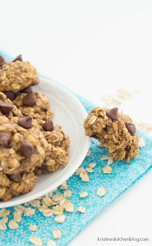 Banana Chocolate Chip Breakfast Cookies - naturally sweetened with honey, full of whole grains, plus they freeze beautifully!