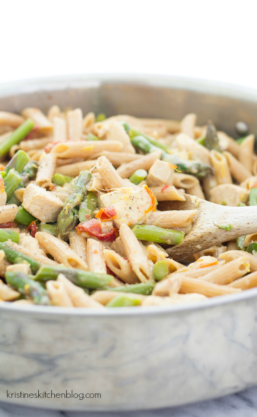 This Creamy, Lemony Pasta with Chicken and Asparagus is an easy, one ...
