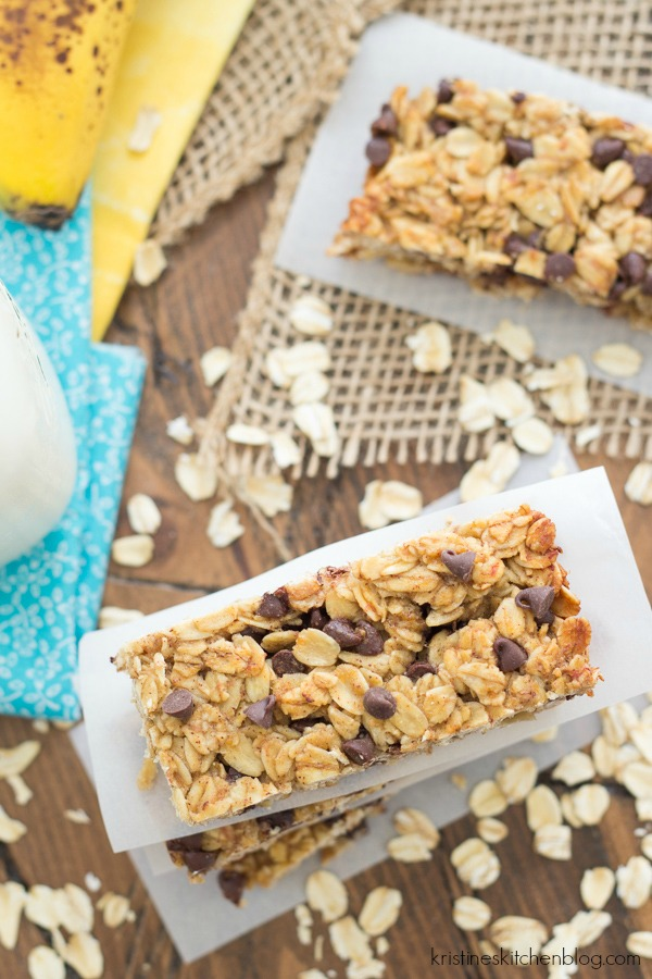 These Banana Chocolate Chip Granola Bars are lightly sweetened with ...