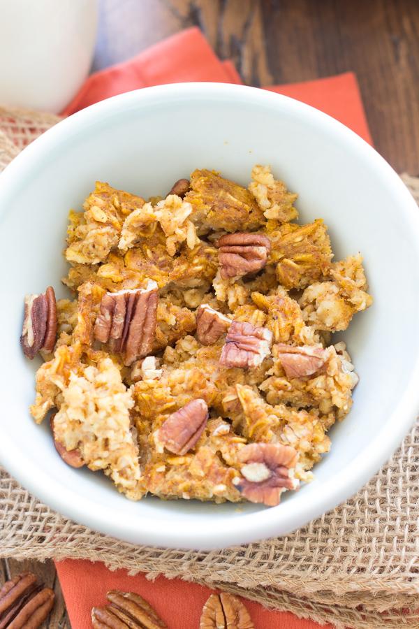 This Pumpkin Pecan Baked Oatmeal is a healthy, make-ahead breakfast ...