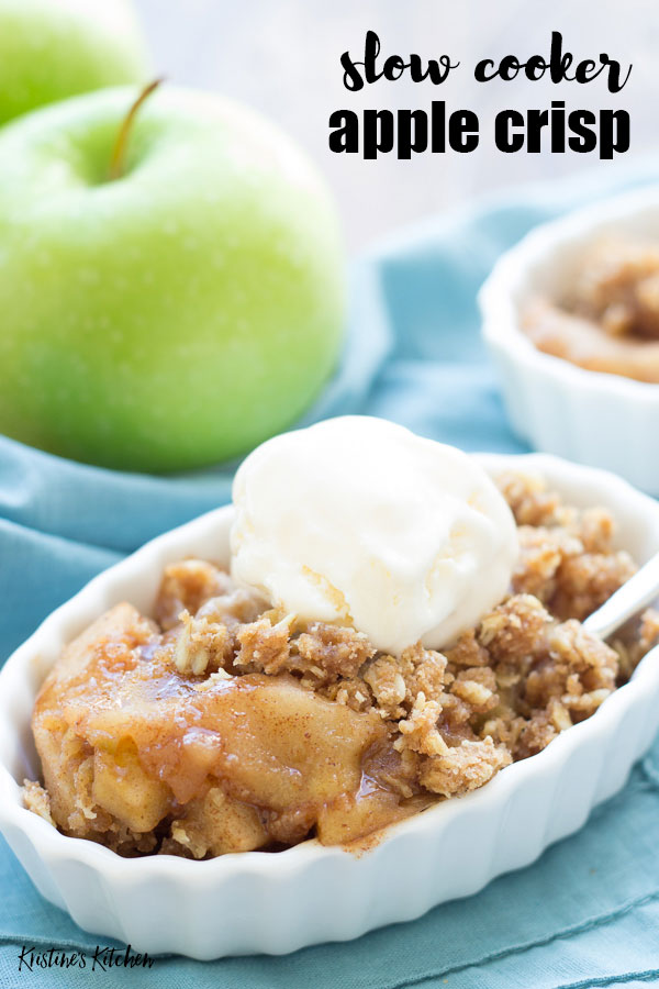 Slow Cooker Apple Crisp Recipe | This easy crockpot apple crisp has a delicious oatmeal topping!
