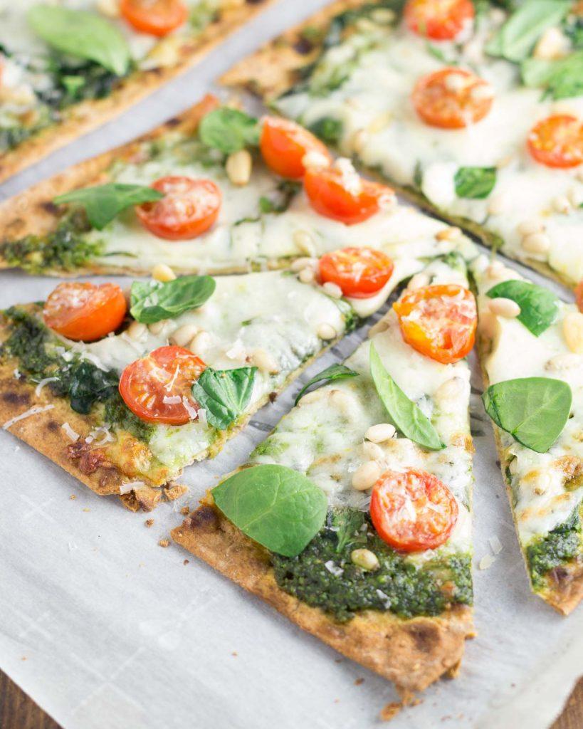 Spinach Pesto and Tomato Flatbread Pizzas