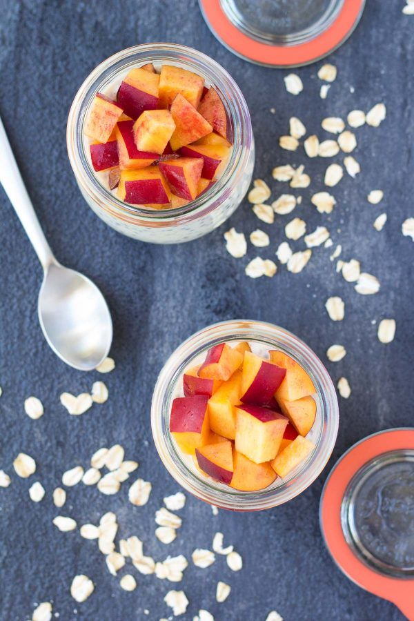 These Nectarines and Cream Overnight Oats with chia seeds are a high protein breakfast to keep you full all morning long! Works with peaches, too! | www.kristineskitchenblog.com