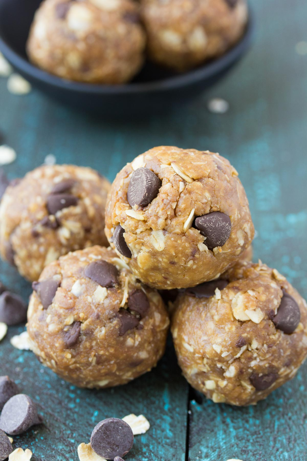 These Peanut Butter Chocolate Chip Cookie Energy Bites are our FAVORITE energy bite! They taste like little bites of (healthy) cookie dough! No bake, gluten free, refined sugar free. | www.kristineskitchenblog.com