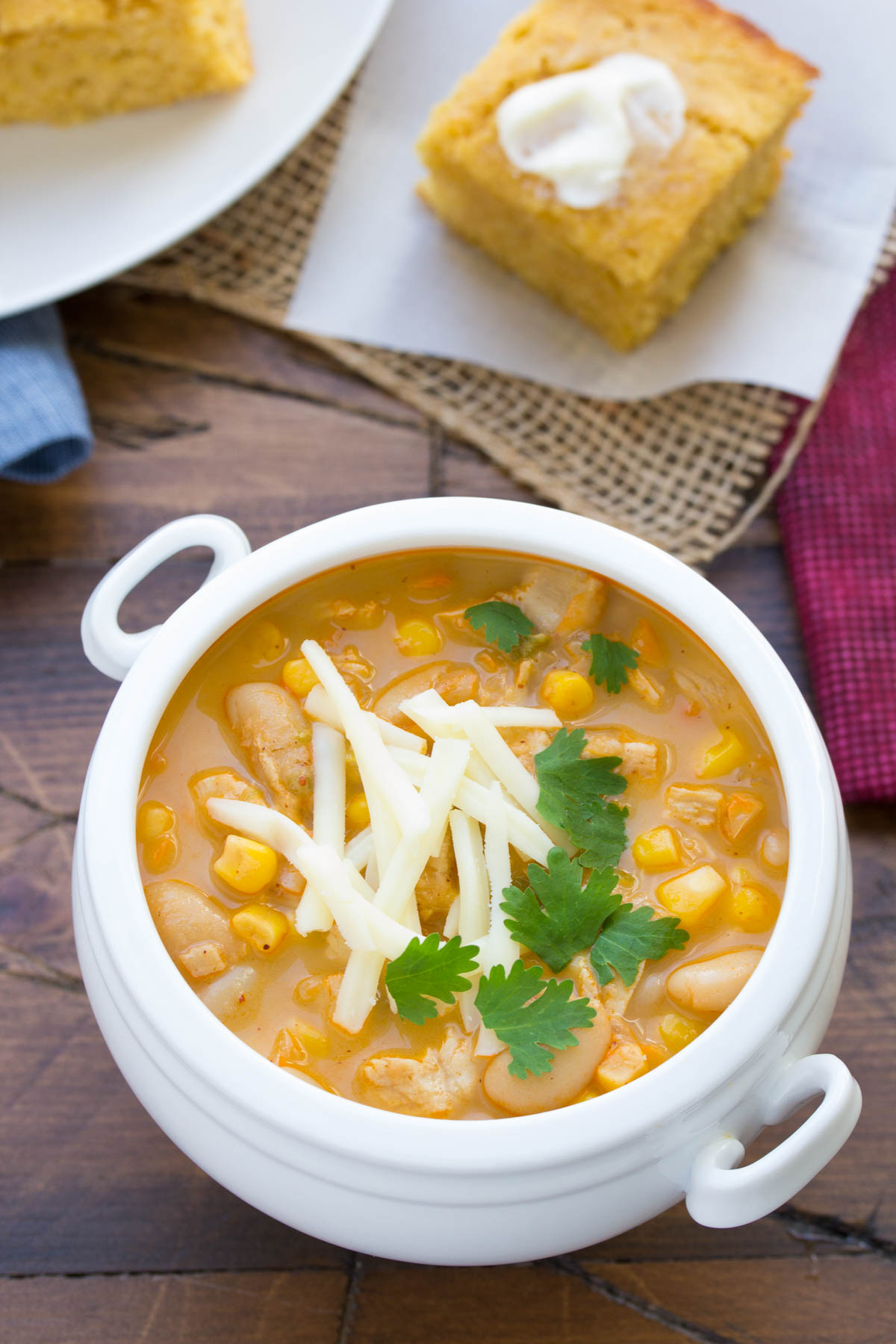 An easy recipe for white chicken chili! Full of chicken, white beans, corn and spice!