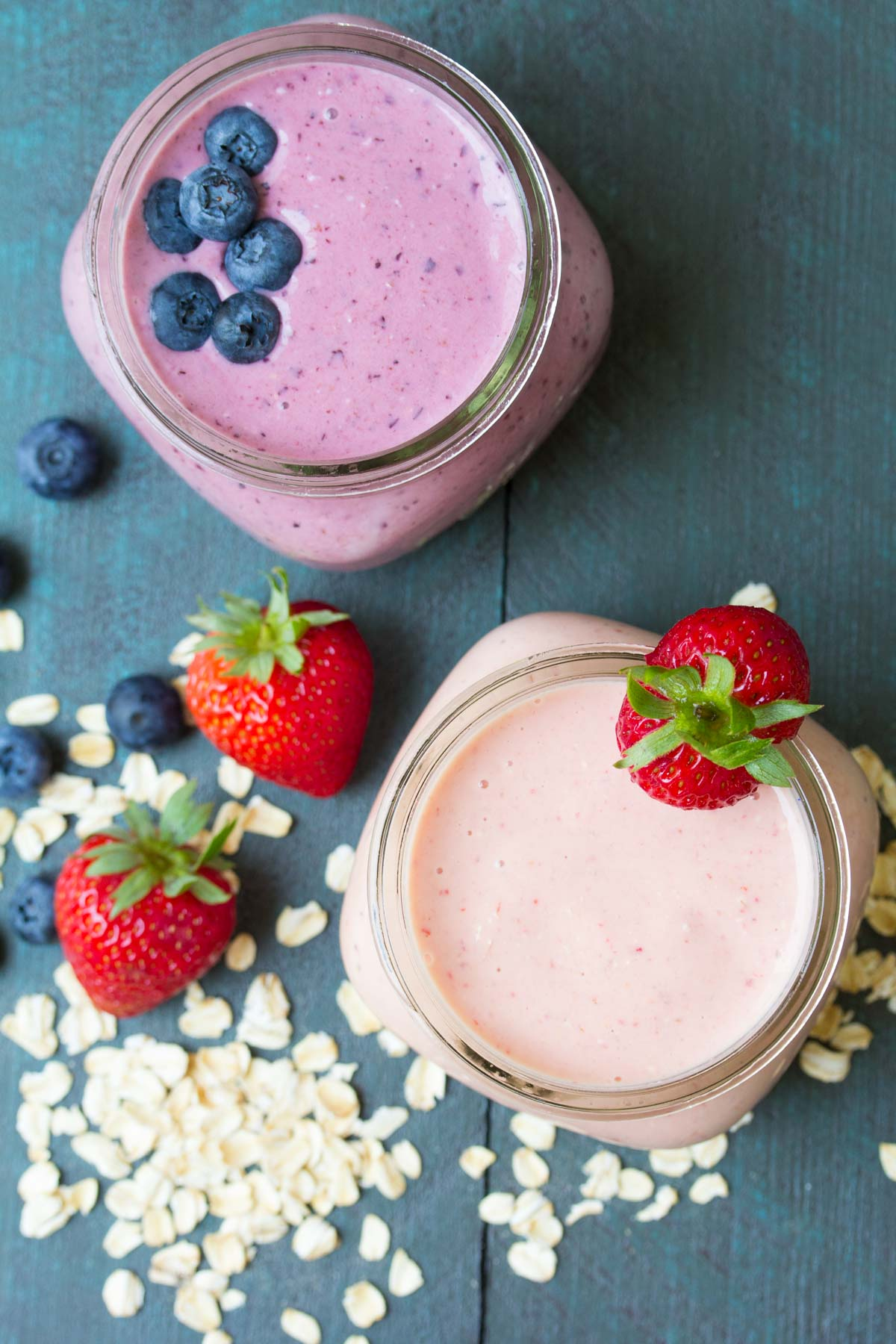Kid Favorite Oatmeal Breakfast Smoothie! (Blueberry or Strawberry) A healthy breakfast with protein and fiber, perfect for busy back to school mornings!