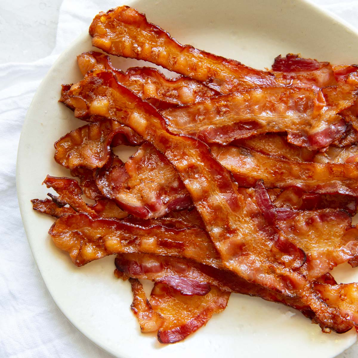 How to Cook Bacon in the Oven - {Crispy Baked Bacon} - Kristine's Kitchen